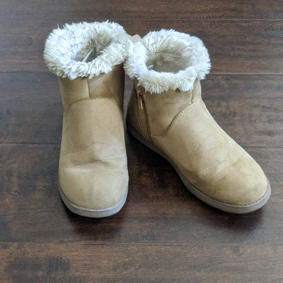 NWT Cat /& Jack Toddler Girl Arias Winter Boots Faux Fur Warm Tan brown Size 5
